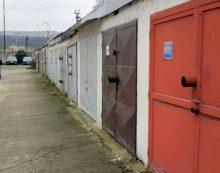 garáž Lomená